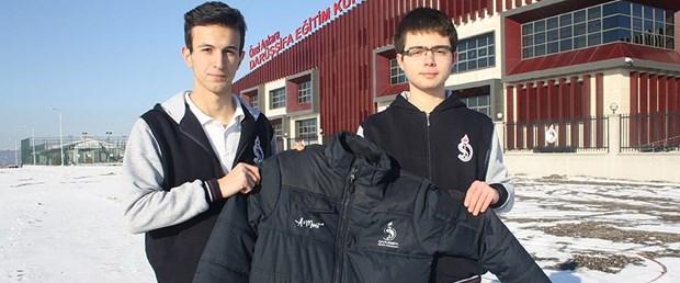 Lise öğrencilerinden 'akıllı mont' Lise-ogrencilerinden-akilli-mont,hs5mt9auhEO978q7Jl2cmQ