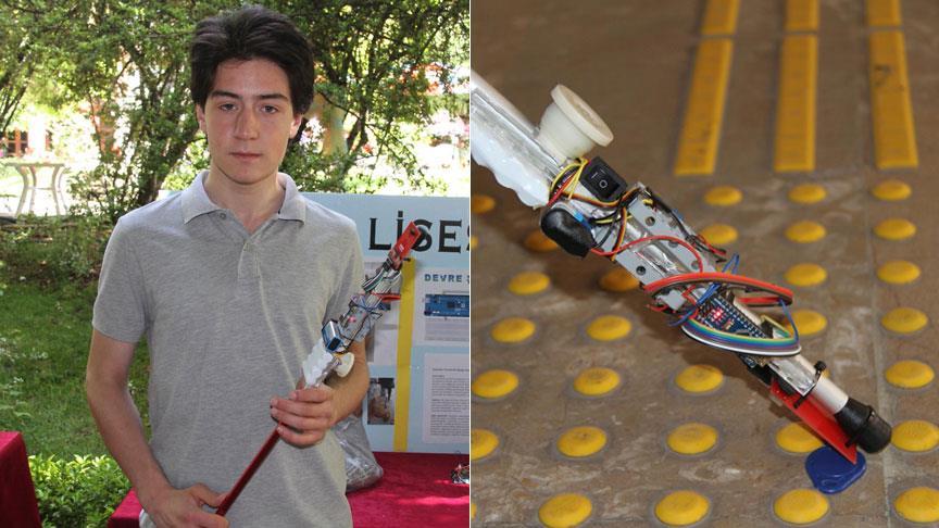 """Lise öğrencisi görme engelliler için """"akıllı değnek"""" tasarladı"""