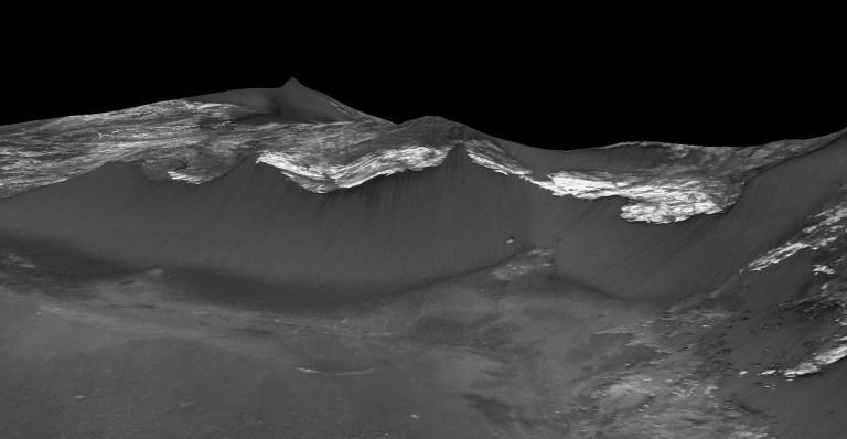 NASA Mars'ta tuzlu su buldu