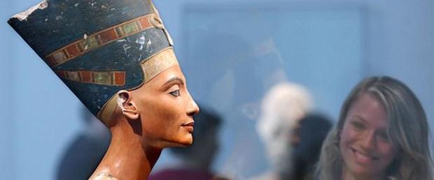 mısır-nefertiti-firavun130815.jpg