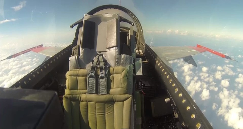 Pilotsuz F-16'lar Drone'lara kıyasla daha fazla ateş gücüne sahip olacak.