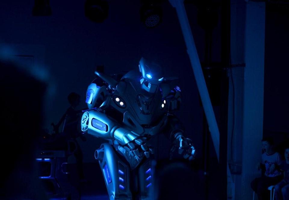 Robotlar Moskova'da buluştu