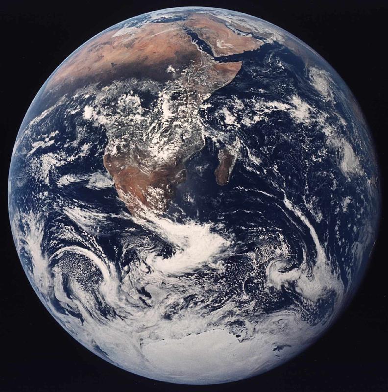 İnsanoğlunun inşa ettiği hangi yapı Ay'dan görülebilir?