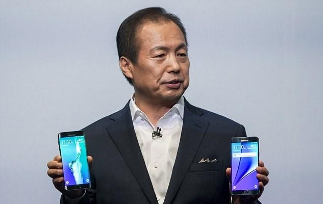 Samsung'un yeni modelleri, şirketin CEO'su J.K.Shin tarafından tanıtıldı.