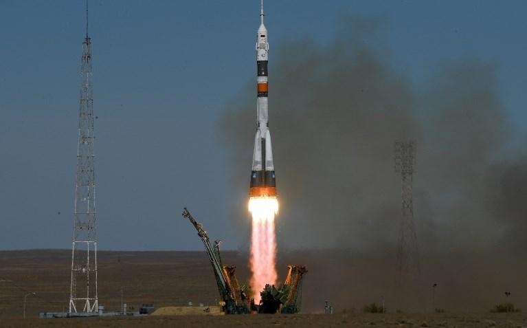 Kazakistan'ın Baykonur Uzay Üssü'nden fırlatıldıktan sonra arızalanan Soyuz roketi düştü.
