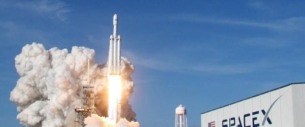 Falcon Heavy.jpg