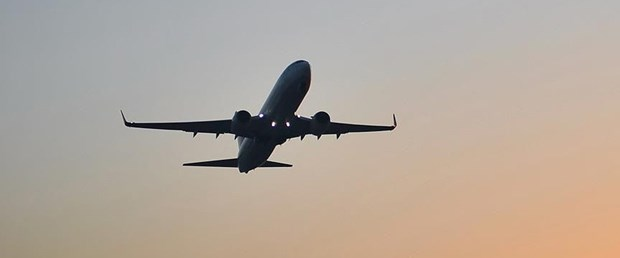uçak arşiv.jpg