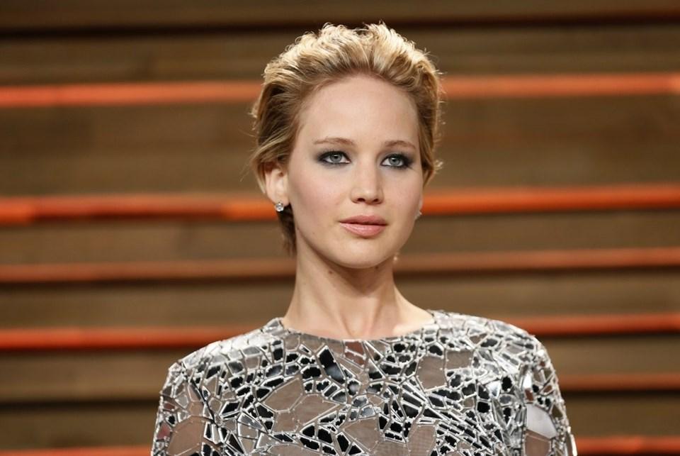 Fotoğrafları internete düşen yıldızlar arasında Amerikalı oyuncu Jennifer Lawrence, Kim Kardashian, Rihanna gibi çok sayıda isim yer alıyor.