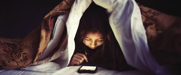facebook-uyku-sorunu.jpg