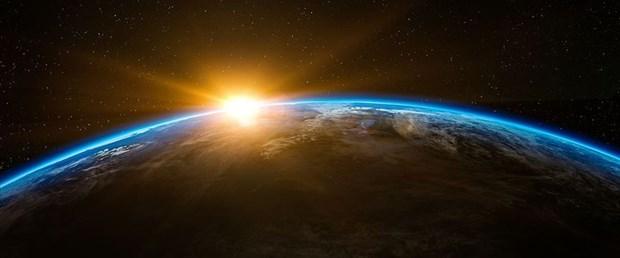 uzay-dünya.jpg