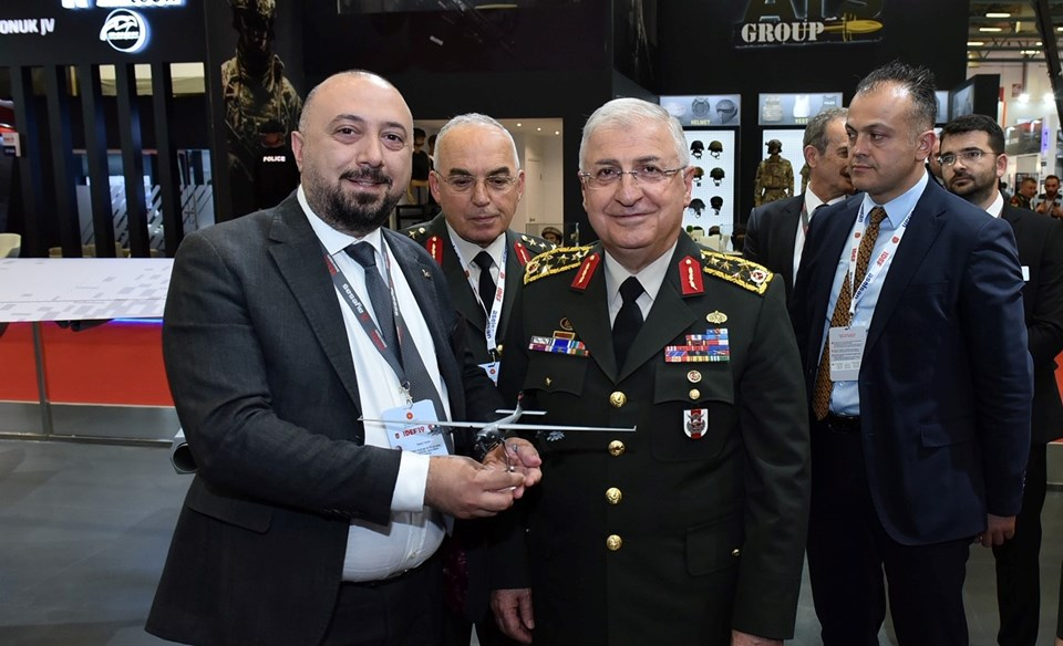 VESTEL Savunma Genel Müdürü Öner Tekin ve Genelkurmay Başkanı Orgeneral Yaşar Güler