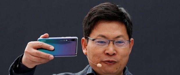 Yeni iPhone ları unutun Huawei den katlanabilir akıllı telefon hamlesi