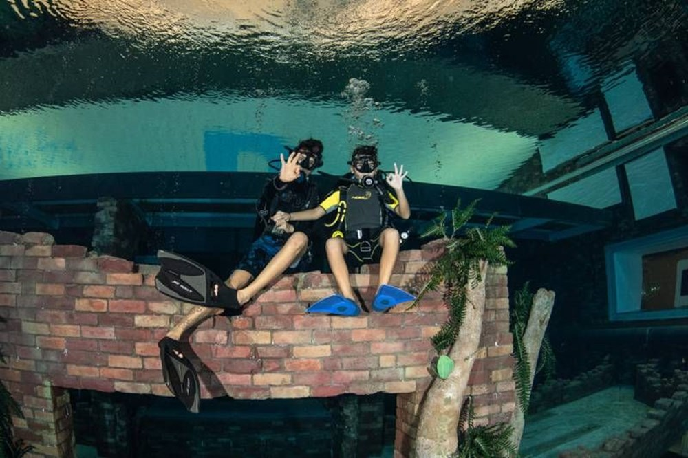 Dünyanın en derin yüzme havuzu Dubai'de açıldı: 60 metre derinliğe sahip - 3