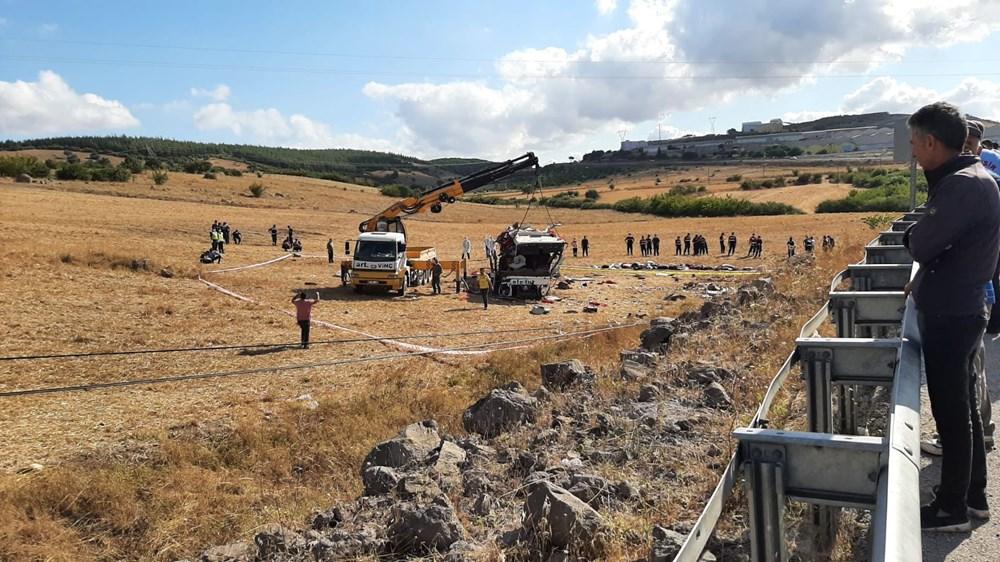 Balıkesir'de yolcu otobüsü devrildi: 15 kişi hayatını kaybetti - 23