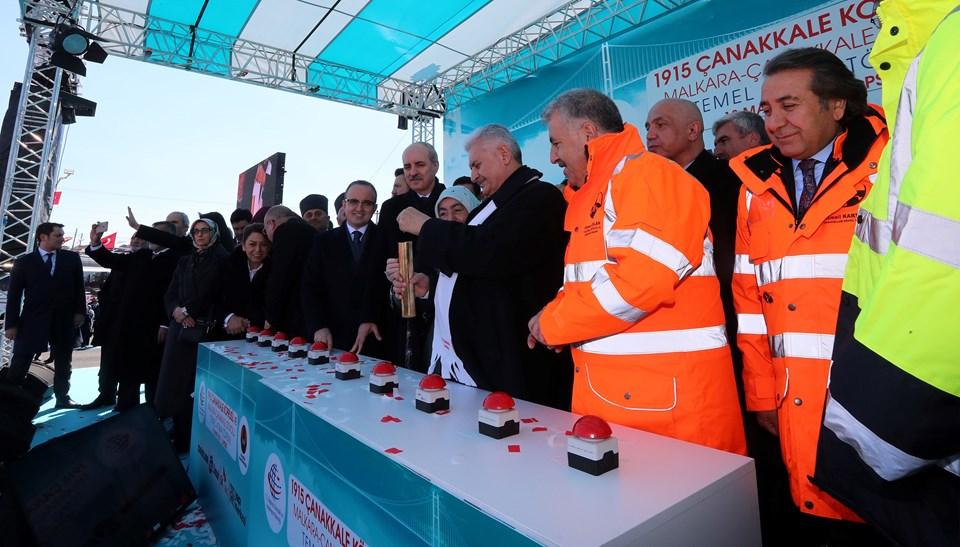 """Başbakan Yıldırım, Çanakkale 1915 Köprüsü, inşaat bilgilerini içeren """"tarih tüpü""""nü köprünün temeli için hazırladı."""