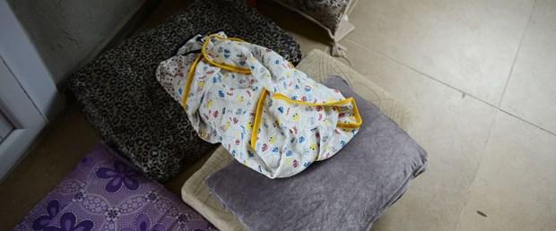 2-gunluk-bebek-uykusunda-oldu.jpg