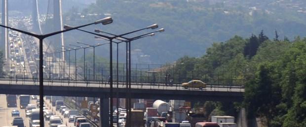 2. köprüdeki kaza trafiği felç etti