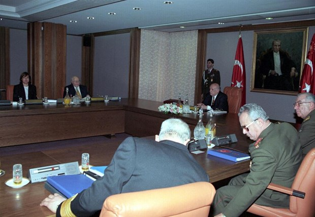 MGK'dan Erbakan'a sert bildiri