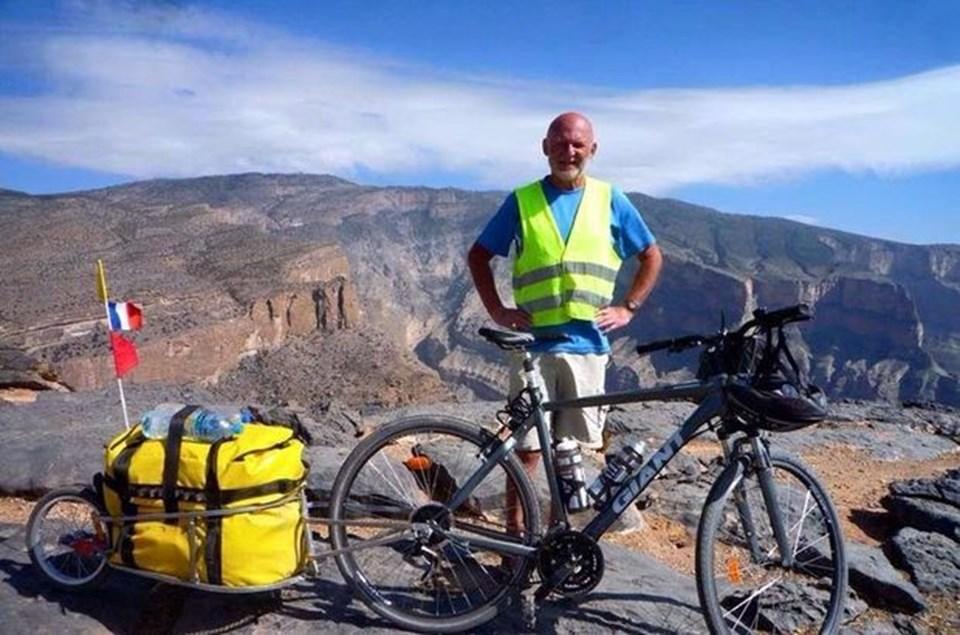 59 yaşındaki Niaffe 40 ülkeyi bisikletle gezmişti...