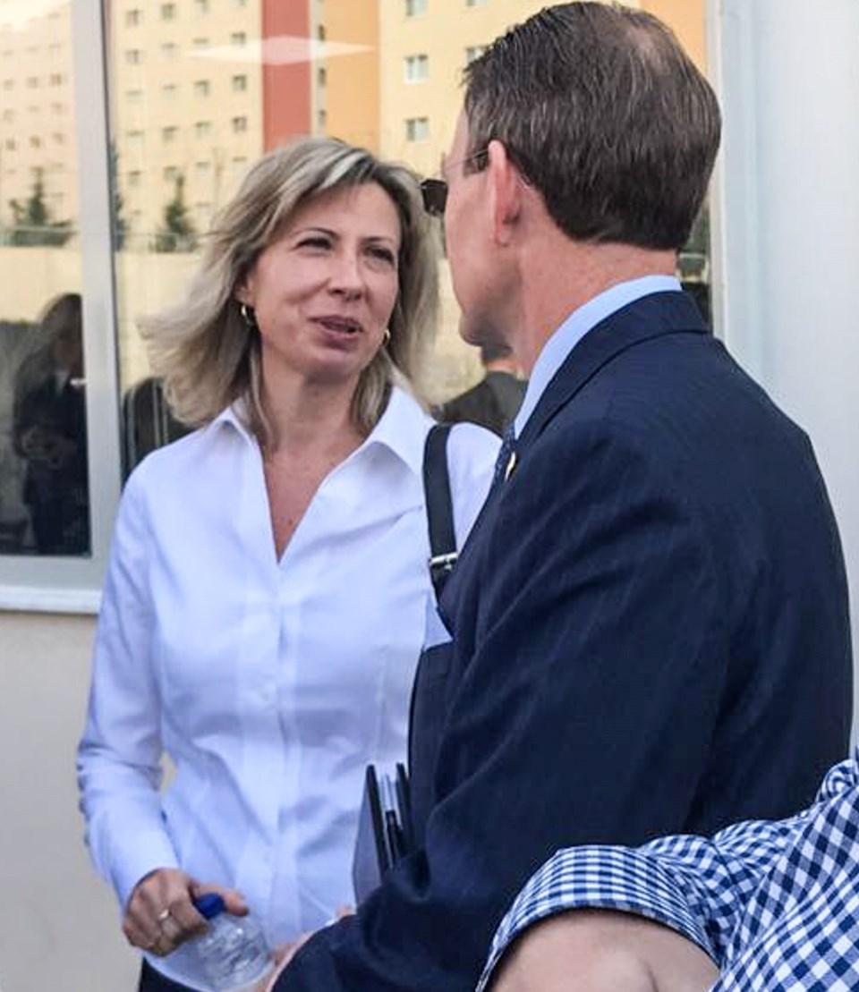 Brunson'ın eşi Norine Brunson (solda)