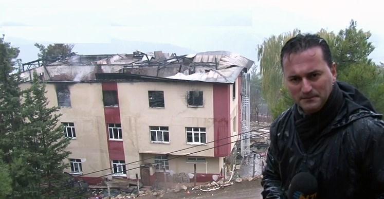 NTV Muhabiri Serkan Kaya olay yerinden son gelişmeleri aktarırken, günün aydınlanmasıyla yurttaki yangının boyutu da ortaya çıktı.