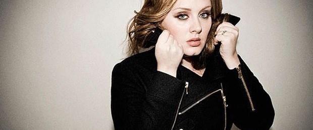 Adele 10 milyon barajını aştı