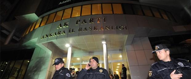 AK Parti binasında Ergenekon protestosu