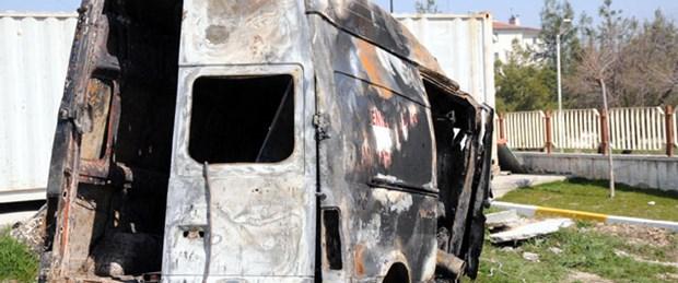 Ambulans otomobille çarpıştı: 5 ölü
