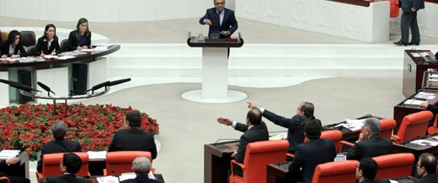 'Anadilde savunma' Meclis'ten geçti