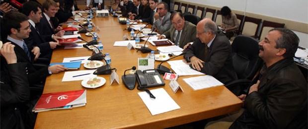 Anayasa maddeleri için alt komisyon