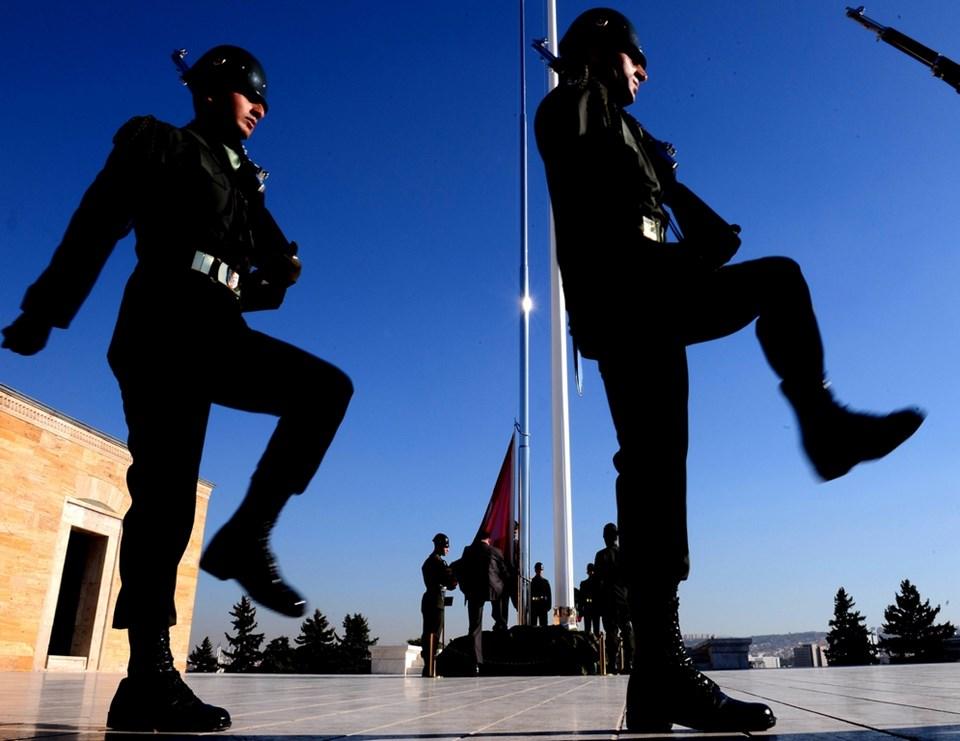 Anıtkabir'deki 63 yıllık bayrak direği yenilendi