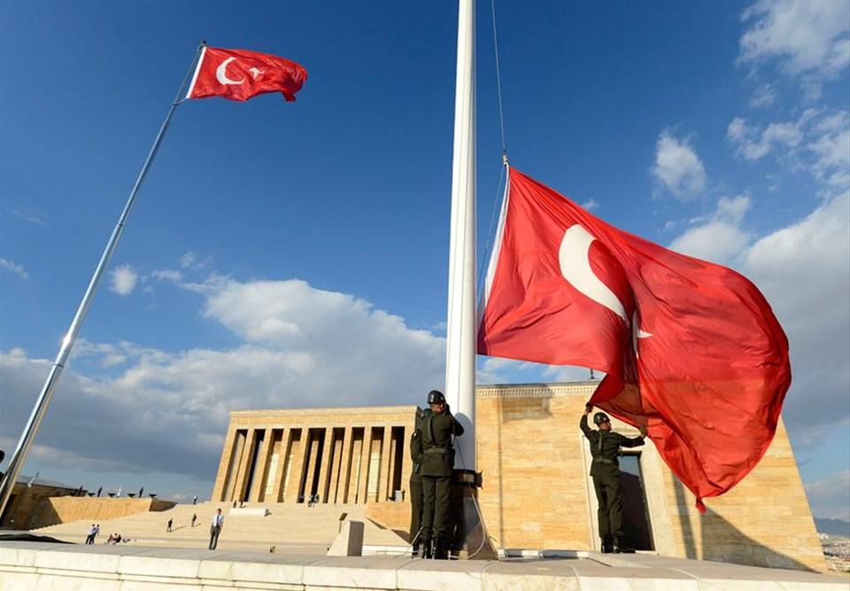 Anıtkabir'deki 63 yıllık nöbet bitti