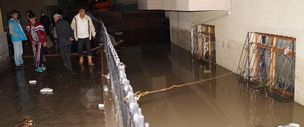 Ankara'da yağmur sele neden oldu