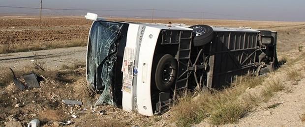 yolcu-otobüsü-devrildi.jpg