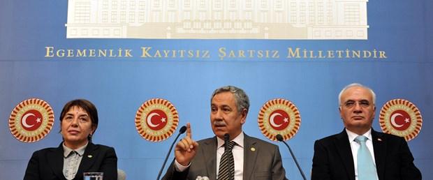 Arınç: Birisi Baykal'a Atatürk derse...