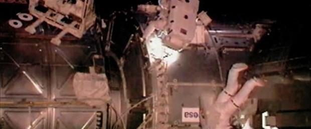 Astronotun gözüne çöp kaçtı!