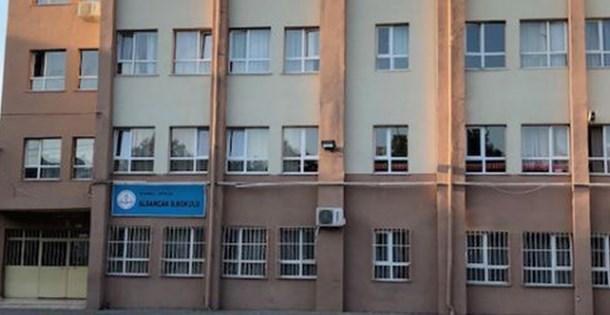 Avcılar'da binaları riskli bulunan 2 okul yarın tatil