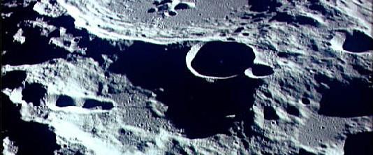 Ay'da daha çok su!