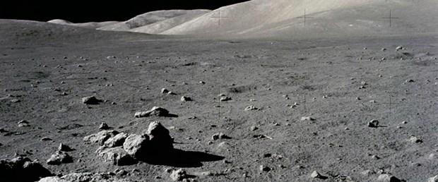 Ay'daki su izleri Dünya'ya ait