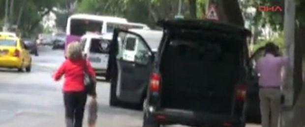 Bağdat Caddesi'nde şüpheli araç paniği