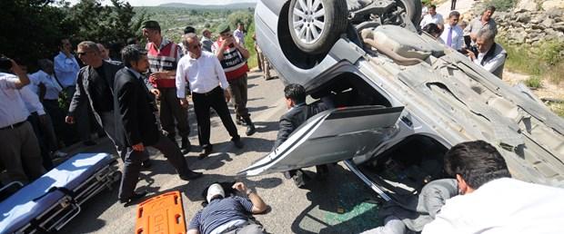 Bakan Çağlayan'ın konvoyunda kaza