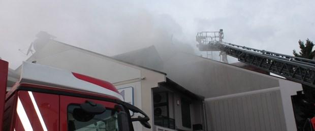 villa çatısı yangın.jpg