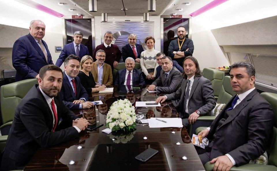 Başbakan Yıldırım, uçakta gazetecilere önemli açıklamalar yaptı.