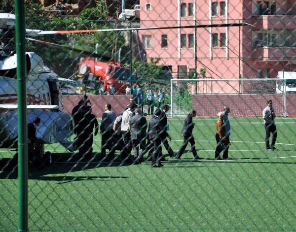 Başbakan'ın helikopteri 3 kişiyi yaraladı