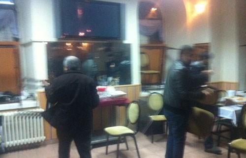 Sırrı Süreyya Önder, karşılaştığı saldırıyı görüntüleyerek Twitter'dan geçti.