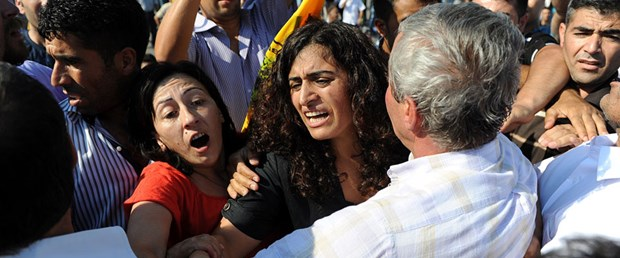 BDP'li Birdal'a kafa atan saldırgana dayak