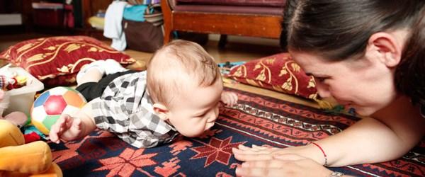 Bebeklerle nasıl oyun oynanır?