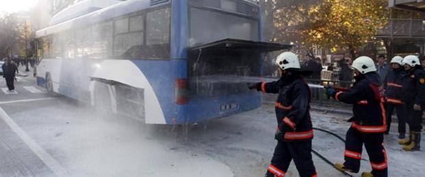 Belediye otobüsünde yangın paniği
