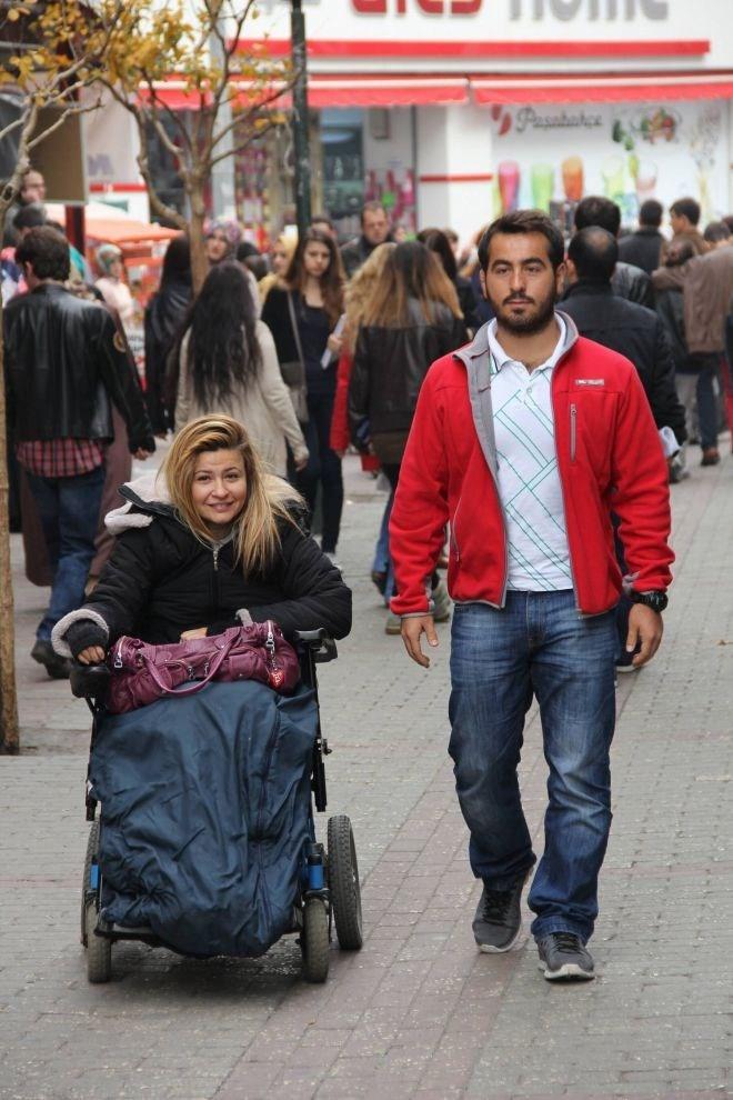 7 Haziran seçimlerinde iki dil bilen Karaburun, Bursa'dan AK Parti'nin 9. sıra milletvekili adayı olmuştu