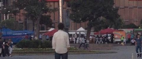 Bir adam Taksim'de durdu!